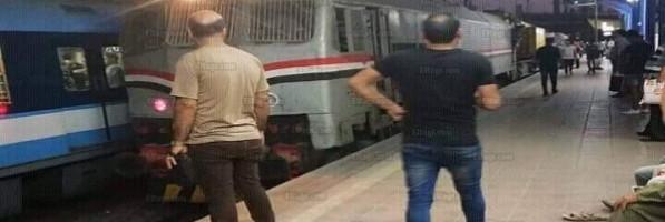 'المترو' تكشف أسباب دخول جرار سكة حديد محطة غمرة (صور)