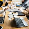 أدوات وتطبيقات شاملة ومجانية لتسهيل فريق عمل الصحفي